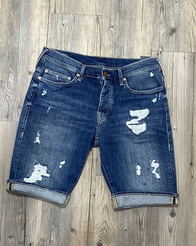 TRUE RELIGION New Rocco Bermuda